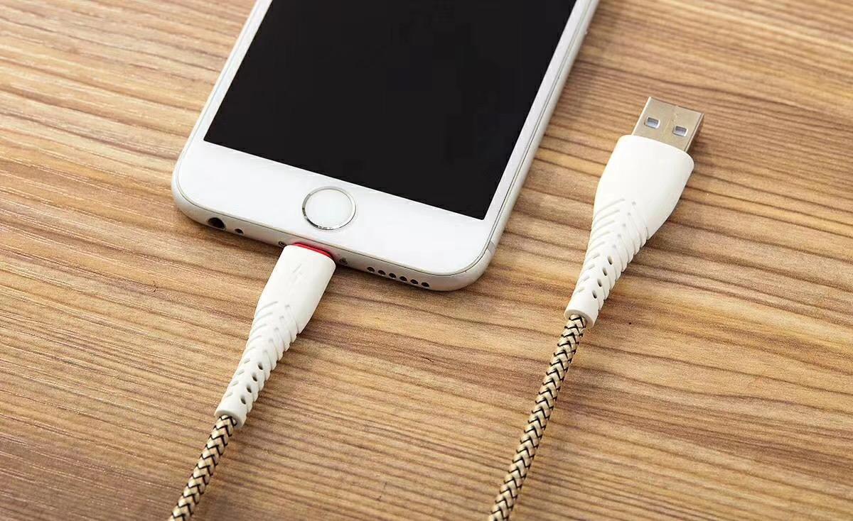 Farklı Şarj Kablosu Kullanmak Telefona Neden Zarar Verir